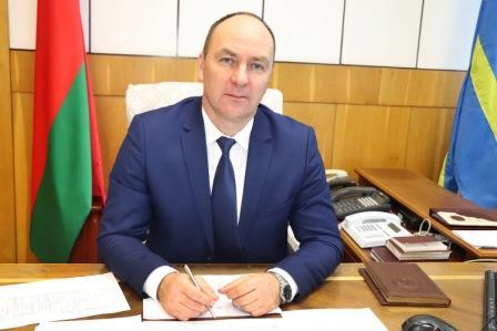 Шатуеў Генадзь Мікалаевіч  старшыня Карэліцкага раённага выканаўчага камітэта